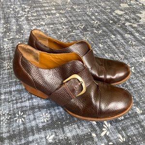 Korks Pebbled Leather Chunky Heels 8.5